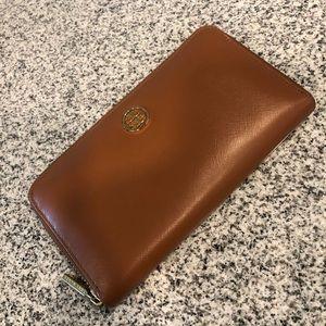 Tory Burch Continental Robinson Wallet